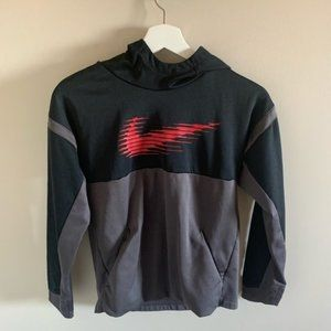 💚3 for 30$ Nike Boys Therma Graphic Hoodie